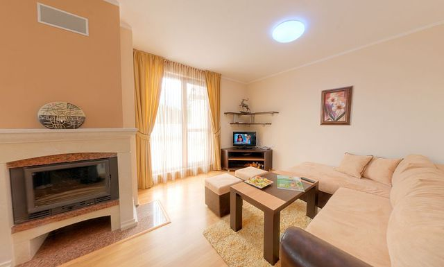 Kamelia Hotel - three bedroom apartment